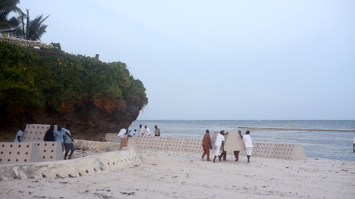 Sandsaver beach erosion solution Indian Ocean Installation